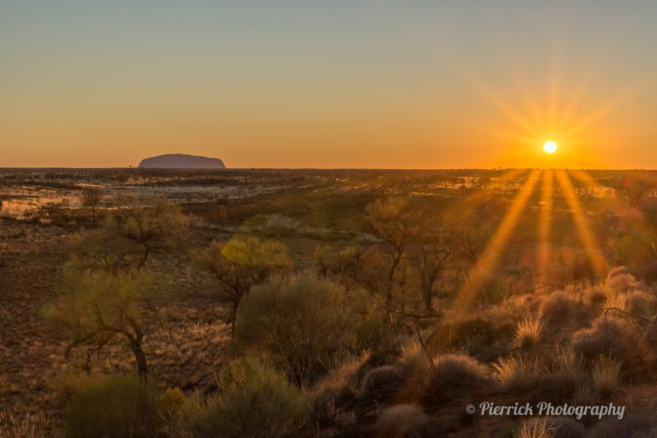 Uluru au coucher de soleil