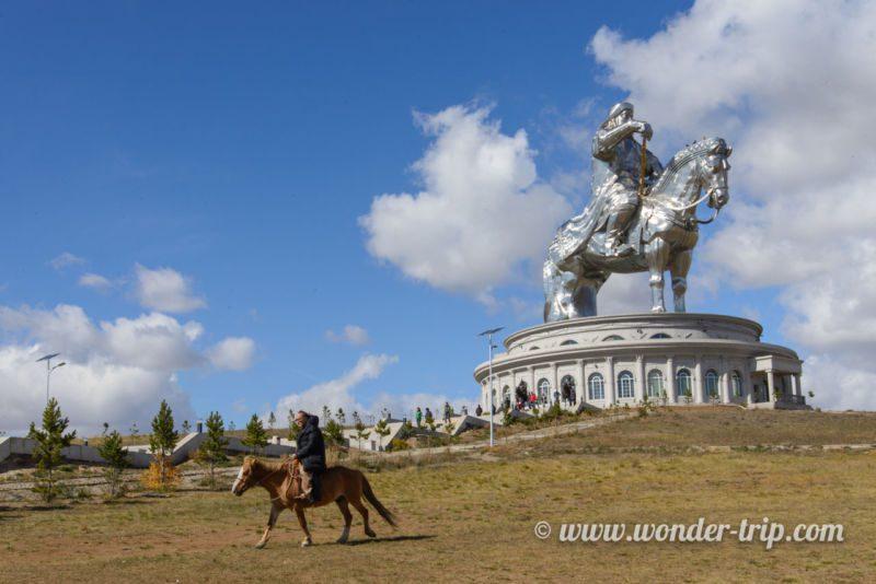 Statue de Chinggis khaan