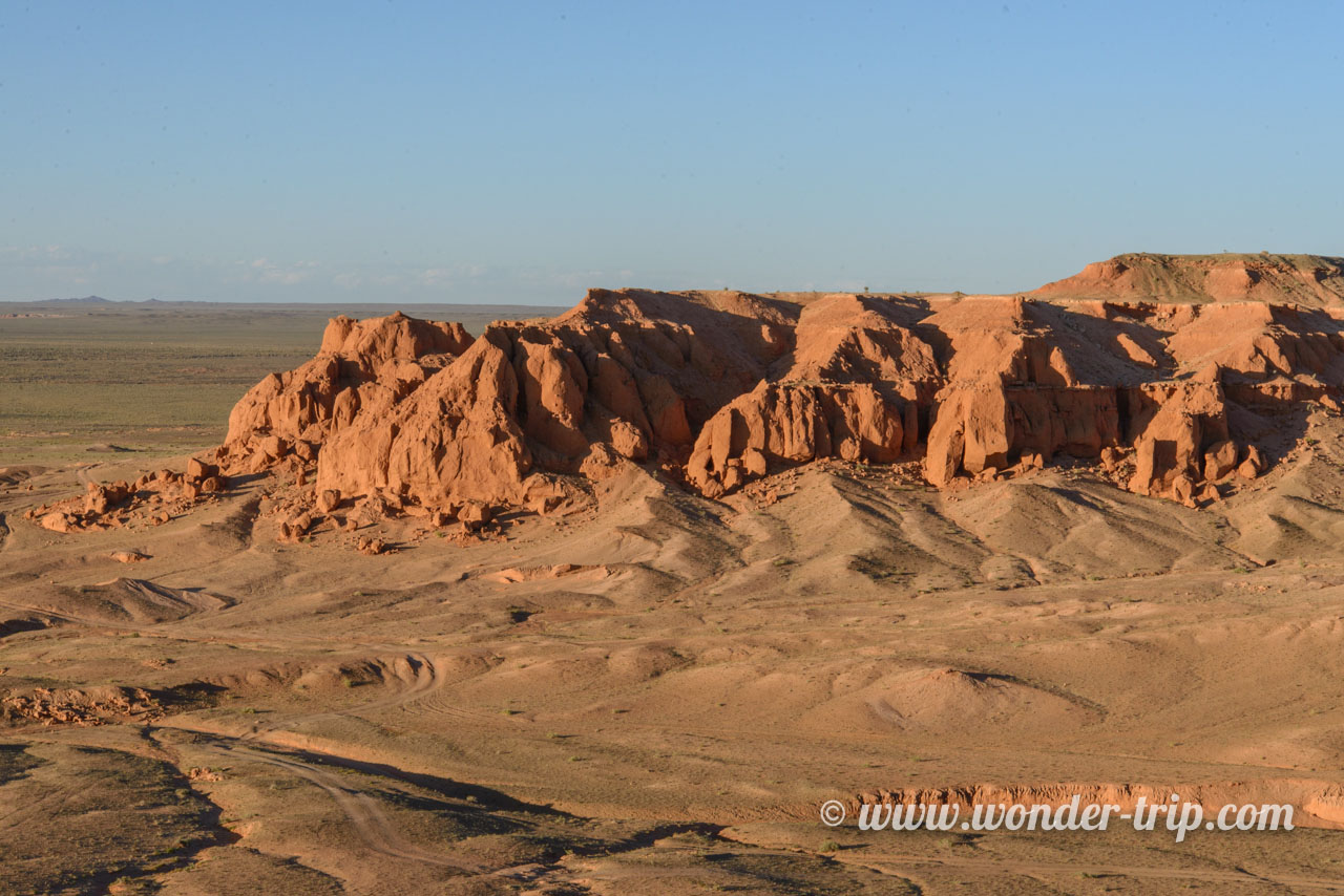 Flaming cliffs de Bayanzag en Mongolie