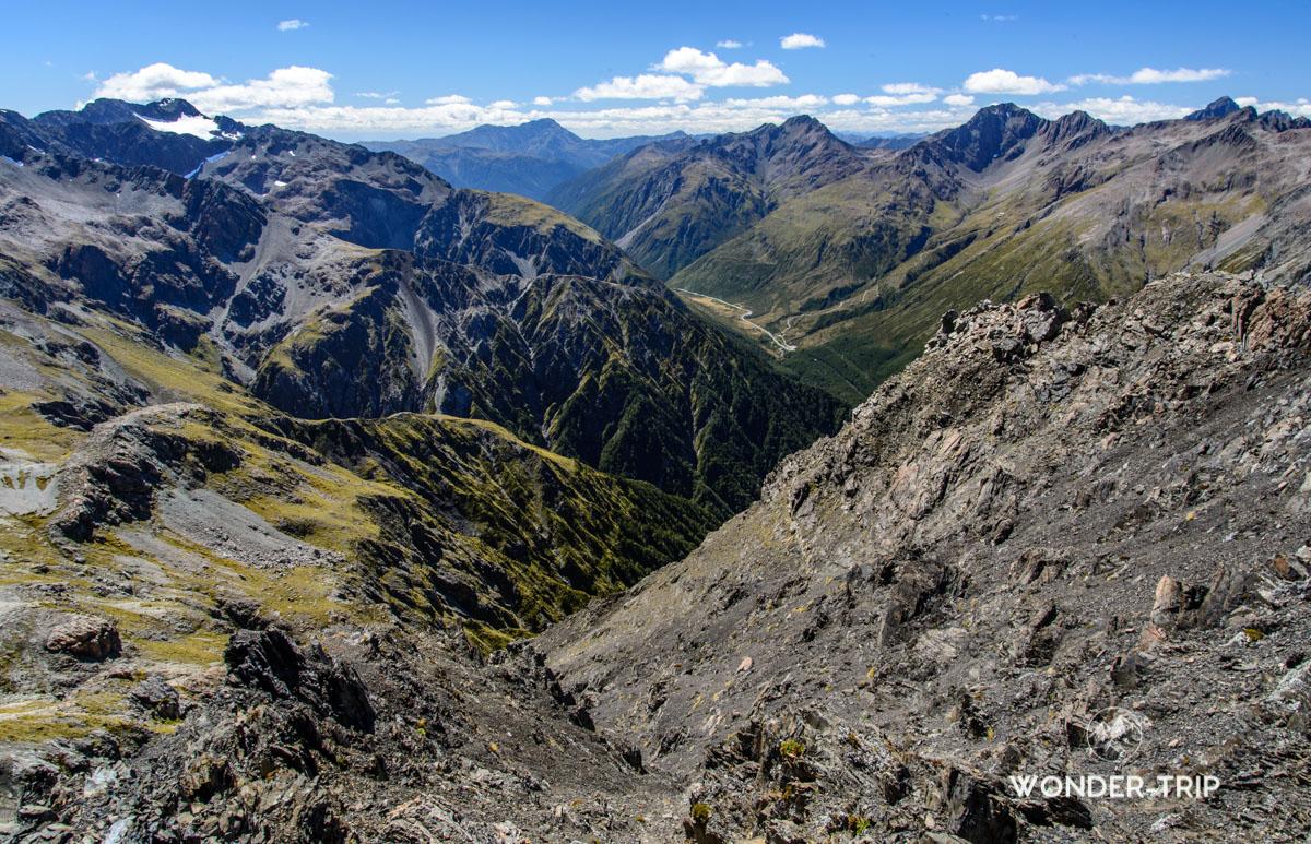 Paysage sur la randonnée d'Avalanche peak en Nouvelle-Zélande