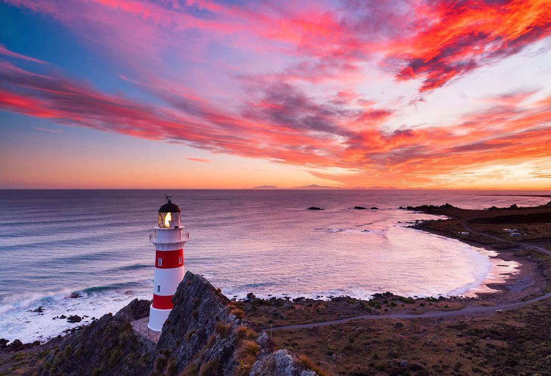 Coucher de soleil sur le phare du cap Palliser