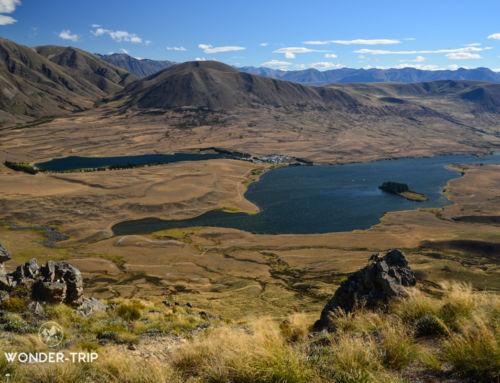 Mont Sunday : vue sur les plaines immaculées du Rohan et Edoras