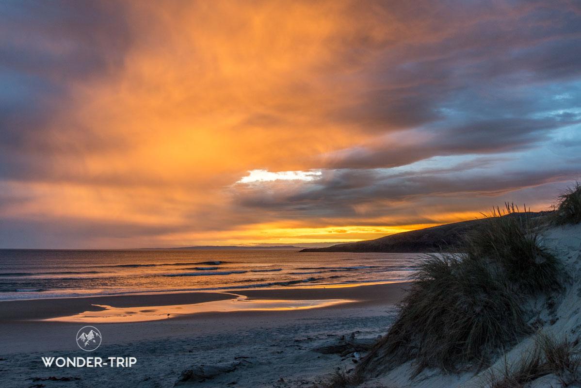 Coucher de soleil sur la baie de Sandfly