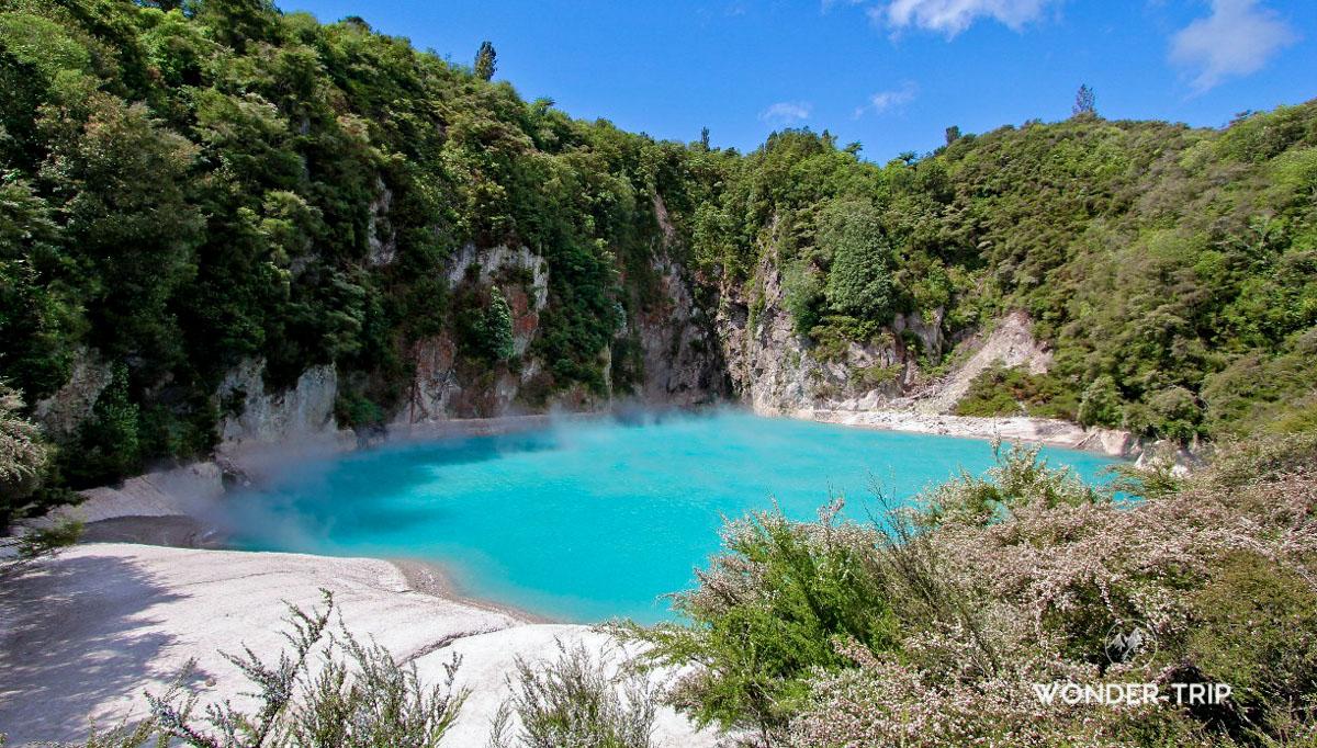 Inferno crater - Waimangu valley