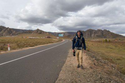 Marche à pied en Mongolie avec le sac à dos