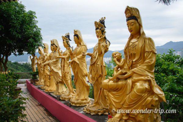 Monastère aux 10 000 bouddhas à Hong Kong